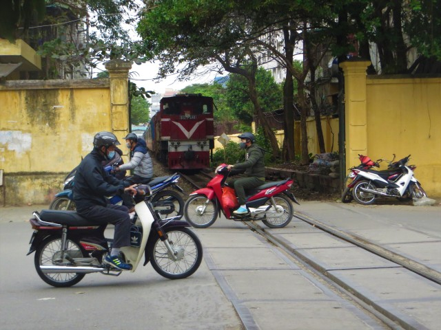 train moped